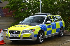 BU12 AKP (S11 AUN) Tags: london metropolitan police volvo v70 d5 anpr interceptor traffic car roads policing unit rpu 999 emergency vehicle metpolice bu12akp