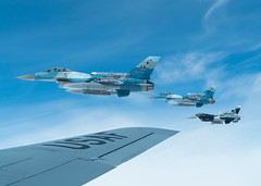 "F-16 Fighting Falcons fly in the Joint Pacific Alaska Range Complex beside a KC-135 Stratotanker (#PACOM) Tags: redflagalaska pacaf alaska eielsonafb kc135stratotanker fighters alaskaairnationalguard f16fightingfalcon 18thags 1ctcs training exercise agressors eielsonairforcebase unitedstates usindopacificcommand ""usindopacom"