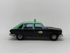 Metosul Portugal - Renault 16 Taxi - Miniature Diecast Metal Scale Model Public Service Vehicle (firehouse.ie) Tags: portugal taxi metosul renault r16 metal miniatures miniature model models car cab taxis hackney psv