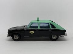 Metosul Portugal - Renault 16 Taxi - Miniature Diecast Metal Scale Model Public Service Vehicle (firehouse.ie) Tags: portugal taxi renault r16 metosul metal miniatures miniature model models car