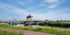 Molens Hoornsevaart Alkmaar (Meino NL) Tags: hoonsevaart alkmaar zeswielen noordholland northholland molen netherlands landschap landscape fietsbrug brug bridge