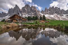 Alpine Mirror (Achim Thomae Photography) Tags: alpen dolomiten frã¼hling italien landschaft sã¼dtirol geislergruppe geislerspitzen mountainscape