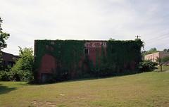 Montgomery's warehouse (Antonin Cosset) Tags: canon fd f1 film analogue analog kodakektar100 kodak 135 100 35mm alabama al montgomeryalabama 24x36