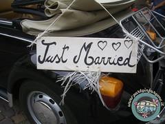 Just Married (partyinfurgone) Tags: addiocelibato addionubilato affitto epoca maggiolino maggiolone beetle cabriohippie limousine matrimonio milano noleggio nozze sposw atorico vintage volkswagen vw wedding