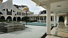 DSC06193-Masjid Jamek Sultan Hisamuddin, Bandar Baru Salak Tinggi, Selangor. (RaaiMan~PhotoActive | الراعى عثمان) Tags: masjid malaysia selangor salaktinggi
