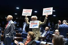 Plenário do Senado (Senado Federal) Tags: plenário sessãodeliberativaordinária ordemdodia manifesto protesto manifestação cartaz cartazes decretodearmas brasília df brasil