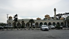 DSC06188-Masjid Jamek Sultan Hisamuddin, Bandar Baru Salak Tinggi, Selangor. (RaaiMan~PhotoActive | الراعى عثمان) Tags: masjid malaysia selangor salaktinggi