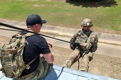 190618-A-DX878-1037 (Fort Drum & 10th Mountain Division (LI)) Tags: ashleymmorris fortpolk 3bct 10thmountaindivision lightfightersschool airassault rappel rappelling confidencetower