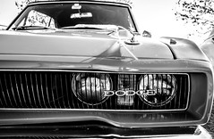 Antique Car Show - Piedra Roja - BW-20 (Johnny Edward Bankson) Tags: 1024mm chicureo chile colina edward fujifilm fujinon fujinonxf1024mmf40rois john johnbankson johnedwardbankson johnb photographer southamerica xt2 xf1024f40rois amutomobile antiguo antique auto car carshow fotografia fotografo photographersonflickr photography piedraroja ©johnbankson dodgecharger dodge charger musclecar