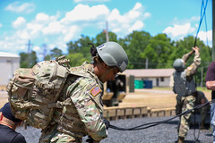 190618-A-DX878-1044 (Fort Drum & 10th Mountain Division (LI)) Tags: ashleymmorris fortpolk 3bct 10thmountaindivision lightfightersschool airassault rappel rappelling confidencetower
