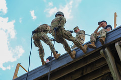 190618-A-DX878-1016 (Fort Drum & 10th Mountain Division (LI)) Tags: ashleymmorris fortpolk 3bct 10thmountaindivision lightfightersschool airassault rappel rappelling confidencetower