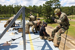 190618-A-DX878-1028 (Fort Drum & 10th Mountain Division (LI)) Tags: ashleymmorris fortpolk 3bct 10thmountaindivision lightfightersschool airassault rappel rappelling confidencetower