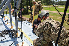 190618-A-DX878-1036 (Fort Drum & 10th Mountain Division (LI)) Tags: ashleymmorris fortpolk 3bct 10thmountaindivision lightfightersschool airassault rappel rappelling confidencetower