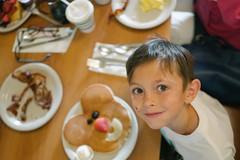 cooper's smiley pancake (Duke of Gnarlington) Tags: sony rx1rm2 zeiss 20 35mm millbrae pancake house breakfast diner brunch