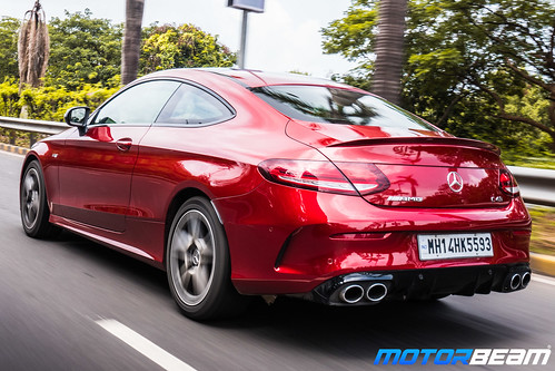 2019-Mercedes-AMG-C43-Coupe-3