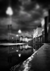 #Night : my favorite time of day (LAKAN346) Tags: night bokeh pov streetphotography street rain streetlights urban puddle reflection bnw blackandwhite bw samsung mobilephotography