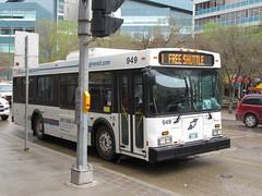 Winnipeg Transit 949 (TheTransitCamera) Tags: wt949 downtownspirit route003 winnipeg manitoba city urban winnipegtransit publictransit publictransport transit transportation transport travel nfi newflyerindustries d30lf freeshuttle
