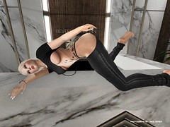 Nightshift at hotel ..... (Carol`s Blog) Tags: nails hotel secondlife blond black beverly hills inn