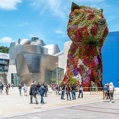 The Puppy (g_heyde) Tags: puppy flowers guggenheim museum bilbao jeffkoons basquecountry dog sl