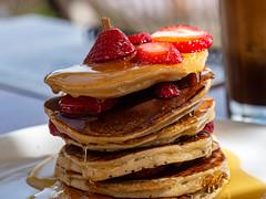 Πρωινό - Pancake breakfast - explored (fotogake) Tags: agiosdimitrios thessalien griechenland minipancaces breakfast πρωινό stack lookingcloseonfriday honey honig μέλι