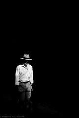 White on Black (ralcains) Tags: spain españa sevilla seville siviglia andalousia andalucia andalusia blackwhite blancoynegro blackandwhite bw greyscale monochrome monochromatic monocromo monocromatico ngc telemetrica rangefinder calle callejon street streetphotography contrast highcontrast leica leicam leicamonochrom monochrom summicron 35mm