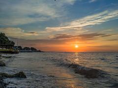 Sunset. (Vyc_Majoris) Tags: sea sunset color colorful smartphone lg v30 city beach coast sky sun