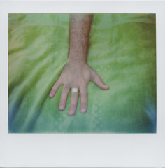 H A N D (ale2000) Tags: polaroid analog analogue instant instantphotography spectra polaroidoriginals frame hand mano hairy arm braccio green fingers ring man masculine machile manomaschia