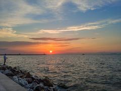 Sunset (Vyc_Majoris) Tags: smar smartphone lg v30 people sunset colorful colo color sea city rock rocks sky sun