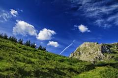 Lainoak gehitzen Arrazolan (eitb.eus) Tags: eitbcom 21786 g151079 tiemponaturaleza tiempon2019 primavera bizkaia atxondo victoruriarte