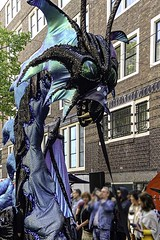 Dragon Parade I (CloudBuster) Tags: add tags feestje 2019 juni 16 straatfeest party street spui iamsterdam amsterdam i city capital the netherlands history buildings public tourism sightseeing clouds sunshine beauty visit zondagmiddag stad bezienswaardigheid man men women woman vrouwen mannen publiek audience theatre pavement straat leven life wolken lucht sky air zon mensen gezang feest gezelligheid sfee