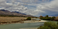 The Indus River (Bodhisotto) Tags: indus rivers river bodhisotto bodhisatya hemis ladakh serene nature blue green canon80d wideangle landscapes beautifulladakh mountains mountain mesmerizing