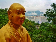 Indifference perhaps (Ben Zabulis) Tags: asia hongkong hksar shatin buddha statue tenthousandbuddhasmonastery buddhism 萬佛寺 新界 沙田 newterritories 5photosaday 香港 佛 gold golden monastery religion fareast