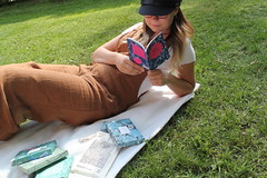 UNADJUSTEDNONRAW_thumb_3d4e (novellix juliaahl) Tags: linn läser sommar park grönt