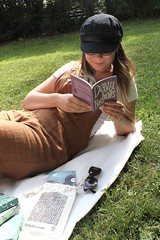 1mu79V+ITHC2U0JOYVTfaw_thumb_3d49 (novellix juliaahl) Tags: linn läser sommar park grönt