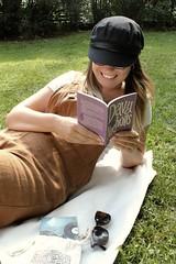 jefq2uFXTXSvCUoq44dyBg_thumb_3d48 (novellix juliaahl) Tags: linn läser sommar park grönt