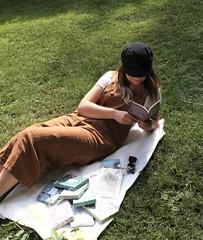 +Y6gZTGLS6GOVkLPBOG4Kw_thumb_3d45 (novellix juliaahl) Tags: linn läser sommar park grönt