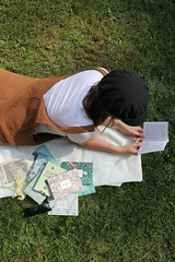 IMG_4179 (novellix juliaahl) Tags: linn läser sommar park grönt