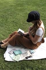 xSI9bezhSDqQtmxFUaXB8g_thumb_3d42 (novellix juliaahl) Tags: linn läser sommar park grönt