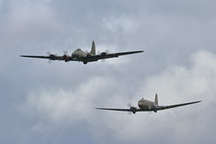 B-17 Flying Fortress 'Sally B' & Douglas DC-3 'Aces High' (ctrolleneos) Tags: canon80d 100400 wingswheels dunsfold flyingfortress sallyb b17 douglas dc3 c47