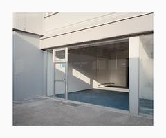 Ehrenfeld, 2019 (Darius Urbanek) Tags: 120 6x7 kodak mamiya7 portra400 analog color film mediumformat ehrenfeld bickendorf cologne köln facade emptiness