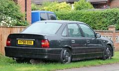 H798 EKK (Nivek.Old.Gold) Tags: 1991 vauxhall cavalier sri 4door 1998cc tawgarages barnstaple