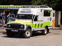 6397 - SJA - DX59 JYV - 101_1878 (Call the Cops 999) Tags: uk gb united kingdom great britain england 999 112 emergency service services vehicle vehicles sja st john ambulance land rover defender dx59 jyv brooklands museum open day bank holiday monday 7 may 2018