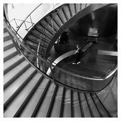 l'escalier (Pascal.M (bong.13)) Tags: musée romanité nimes gard sonyrx100 noiretblanc blackandwhite france