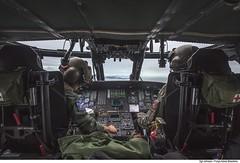H-60L Black Hawk (Força Aérea Brasileira - Página Oficial) Tags: 2016 5gav8 atletadepoloaquaticodobrasil brazilianairforce carranca carrancav fab forçaaéreabrasileira fotojohnsonbarros operacaocarranca operacaocarrancav sikorskyh60lblackhawk cabine helicoptero florianópolis santacatarina brazil