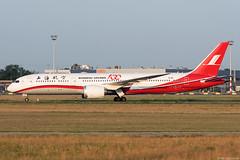 B-1111 (Andras Regos) Tags: aviation aircraft plane fly airport bud lhbp spotter spotting shanghai shanghaiairlines boeing 787 b789 7879 dreamliner 787dreamliner sunrise