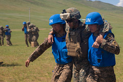 """U.S. Marine Corps and Mongolian Armed Forces service members train together during Khaan Quest (#PACOM) Tags: mongolia unitednations kq19 khaanquest training pacific security medical marines peacekeeping maf ulaanbaatar indopacific usmarinecorps militarypartnership casualtycare mongolianarmyforce usindopacificcommand """"usindopacom"""