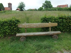 'ne Bank am (Korn)feld (mkorsakov) Tags: werl city innenstadt bank bench feld field hecke hedge grünzeug