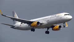 Vueling / Airbus A321-231 / EC-MQL (vic_206) Tags: vueling airbusa321231 ecmql bcn lebl
