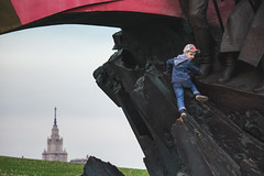 Climbing Communism (Ktoine) Tags: child cap moscow candid street mgu msu university composition park staline stalin architecture monument victory