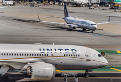 united flight ua 869 from hong kong taxis to arrival gate (pbo31) Tags: sanfranciscointernational sfo sanmateocounty color airport airline travel aviation bayarea california nikon d810 june 2019 boury pbo31 plane flight over boeing 787 united sanbruno terminal gate